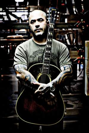 Aaron Lewis (Staind)  and Fred Durst (Limp Bizkit) - Outside